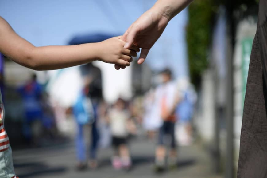 The European Parliament is urging Japan to improve its child custody rules. | KYODO