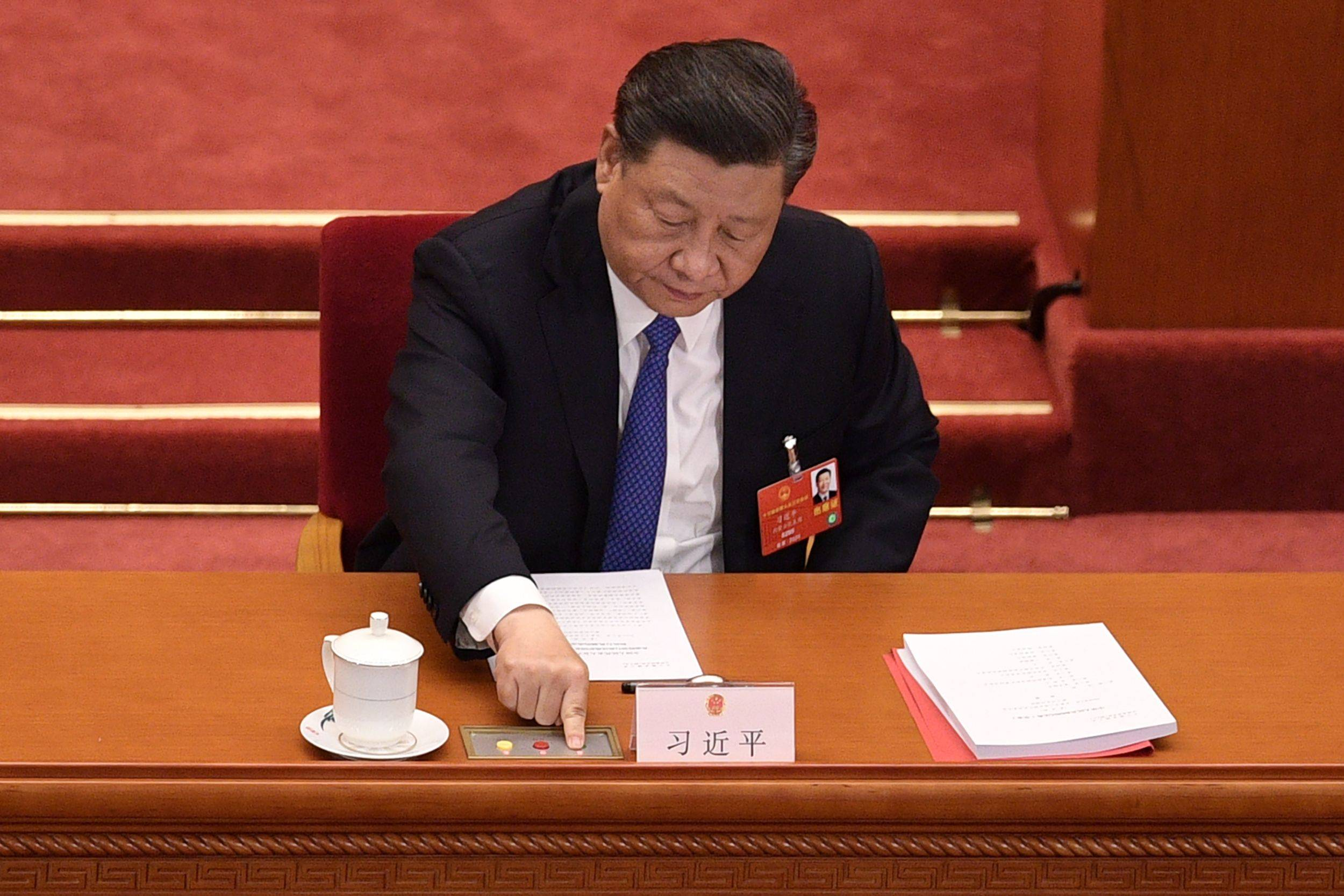 The leadership under Xi Jinping believes China is now strong enough that it can forcefully assert its agenda both at home and abroad because it has reached the point it can withstand whatever penalties come its way. | AFP-JIJI
