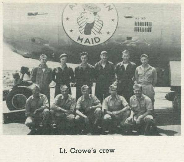 Lt. Crowe's crew, pictured in Saipan ahead of the fateful mission. | THE UNITED STATES ARMY AIR FORCES