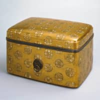 'Accessory box with fusenryo design featuring mother-of-pearl and maki-e' (National Treasure), Kamakura Period, 13th century. | SUNTORY MUSEUM OF ART