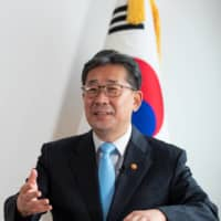 South Korean Culture Minister Park Yang-woo has warned Japan that South Korea is ready to build a regional coalition to pressure Tokyo over its past colonial behavior. | BLOOMBERG