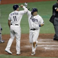 Rays' Yoshitomo Tsutsugo homers in MLB debut; Shogo Akiyama hits RBI single in first at-bat for Reds