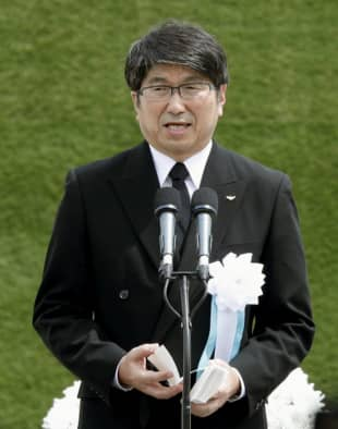 Nagasaki Mayor Tomihisa Taue reads out the Peace Declaration on Aug. 9, 2019, during a ceremony marking the 74th anniversary of the U.S. atomic bombing of the city. | KYODO