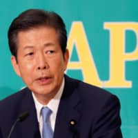 Komeito chief Natsuo Yamaguchi urges government to actively update citizens on pandemic