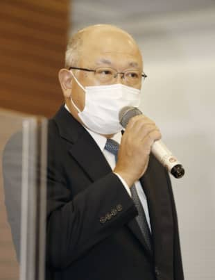Mitsui O.S.K. Lines Executive Vice President Akihiko Ono speaks at a news conference in Tokyo on Sunday. | KYODO