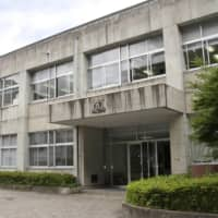 A large cluster of COVID-19 infections has been identified at Rissho Shonan High School in the city of Matsue, Shimane Prefecture. | KYODO