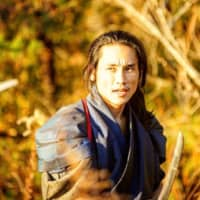 Samurai slayer: Tak Sakaguchi sustained multiple injuries while filming a laborious shot in which he cuts down an entire clan in 'Crazy Samurai Musashi.' | © 2020 CRAZY SAMURAI MUSASHI FILM PARTNERS