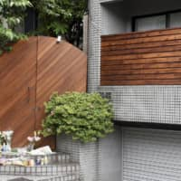 Flowers are placed at a shooting location for the Netflix reality show 'Terrace House' in Tokyo on May 25, two days after cast member Hana Kimura killed herself. | KYODO
