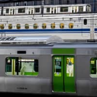 The last trains of the night on the Yamanote and other lines in Tokyo run by East Japan Railway Co. will start leaving earlier next spring.  | KYODO