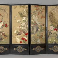 The collection includes an embroidered silk folding screen that was a gift from Emperor Meiji to King Edward VII in 1902. | COURTESY OF THE ROYAL COLLECTION TRUST / COPYRIGHT HER MAJESTY QUEEN ELIZABETH II / VIA KYODO