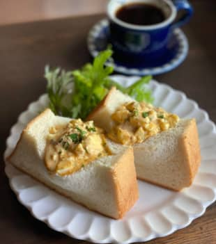Wakey, wakey: The Bellwood upgrades the basic 'morning service' with a truffle egg-salad sandwich with balsamic vinegar mayonnaise. | COURTESY OF THE BELLWOOD