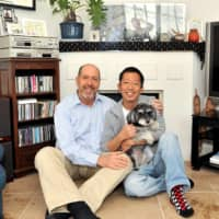 Home is where the heart is: Bob Tobin and Hitoshi Ohashi pose for a picture taken for The Japan Times in 2010. | YOSHIAKI MIURA