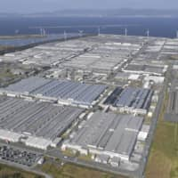 Toyota engineers dismantled a battery production line, repainted the floors and reorganized electric wiring that would prevent accidents and fires. | KYODO
