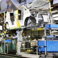 Japan machinery orders extend gains in August as business spending stabilizes