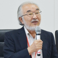 Kazuo Oike, president of Kyoto University of the Arts who led the 2015 reviews in a panel under the Cabinet Office, has said the failure to appoint the six nominees violates the law. | KYODO