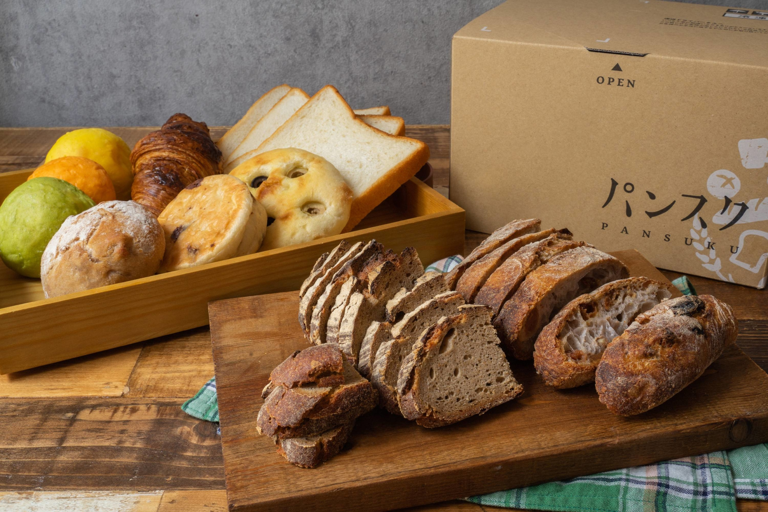 Pan For You is a startup based in Gunma Prefecture that delivers gourmet bread produced by a selection of bakeries for a set monthly fee.