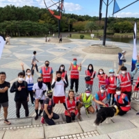 Starting line: The event team celebrated the first parkrun event at Kanagawa Prefecture's Tsujido Kaihin park after 16 months of preparation. | ATSUSHI OIKE © AICCO