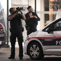 Gunman on the run after Vienna 'terror attack' leaves two dead