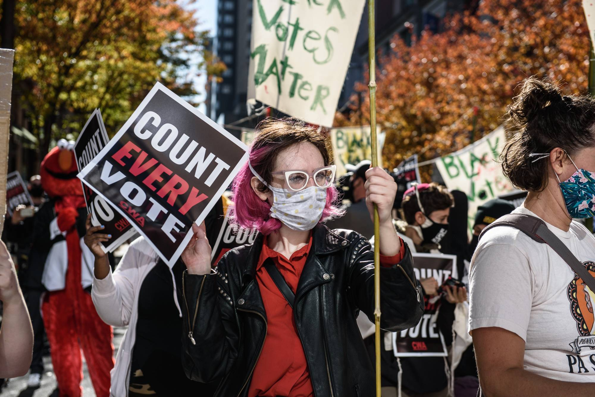 Demonstrators in Philaldephia on Thursday demand that every vote be counted in the U.S. election.  | BLOOMBERG