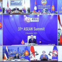 Suga vows to support ASEAN on coronavirus and security