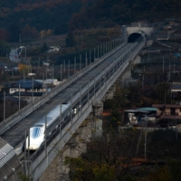 Japan's maglev project is in fierce competition with China's high-speed railway project. | BLOOMBERG