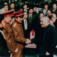 Deng Xiaoping (right) was behind the setting up of special economic zones in cities such as Shenzhen. | KYODO