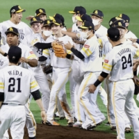 Hawks sweep Giants again to clinch fourth straight Japan Series title