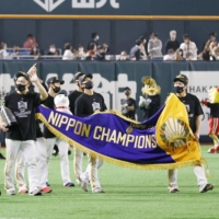 Hawks put stamp on current era with fourth straight Japan Series title