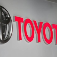 The Federation of All Toyota Workers' Unions is said to be in talks with the ruling Liberal Democratic Party and Komeito coalition about some form of cooperation. | GETTY IMAGES / VIA KYODO