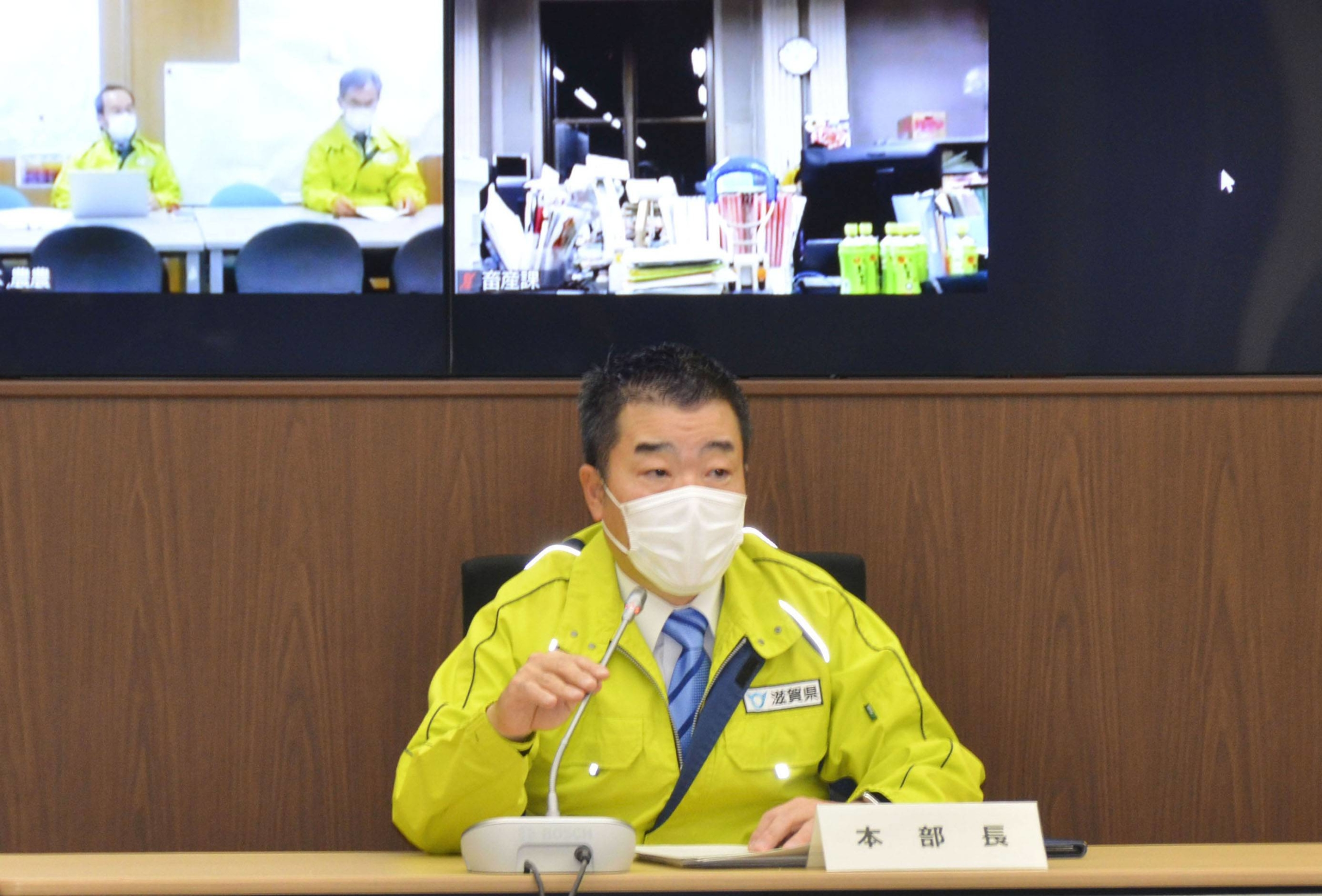 Shiga Gov. Taizo Mikazuki speaks in Otsu, Shiga Prefecture, in an online meeting held Saturday night to discuss measures on how best to tackle the bird flu outbreak. | KYODO