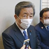 'Not suitable' for Abe to testify in Diet over scandal, LDP exec says