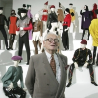 Cardin presents his exhibition 'Design and Fashion 1950- 2005' at the academy for arts in Vienna in 2005. | AP