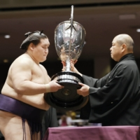 Plenty to unpack after eventful, unforgettable year in sumo