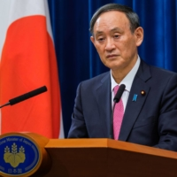 Some analysts have attributed recent stumbles by Prime Minister Yoshihide Suga to a lack of advisers who are capable of giving honest, critical feedback as well as those who can coordinate with political parties. | POOL / VIA REUTERS