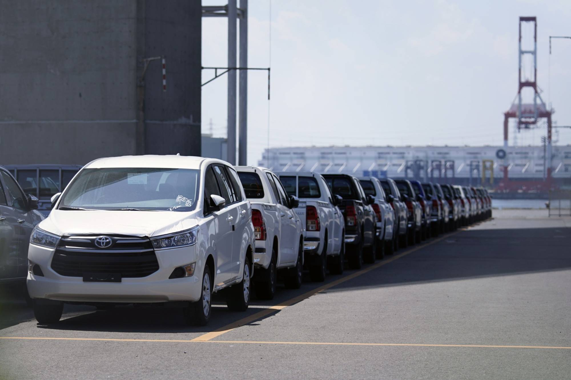 Car sales in 2020 showed the largest year-on-year drop since 2011, when auto sales tumbled 15.1% as the Great East Japan Earthquake and tsunami disrupted supply chains. | BLOOMBERG