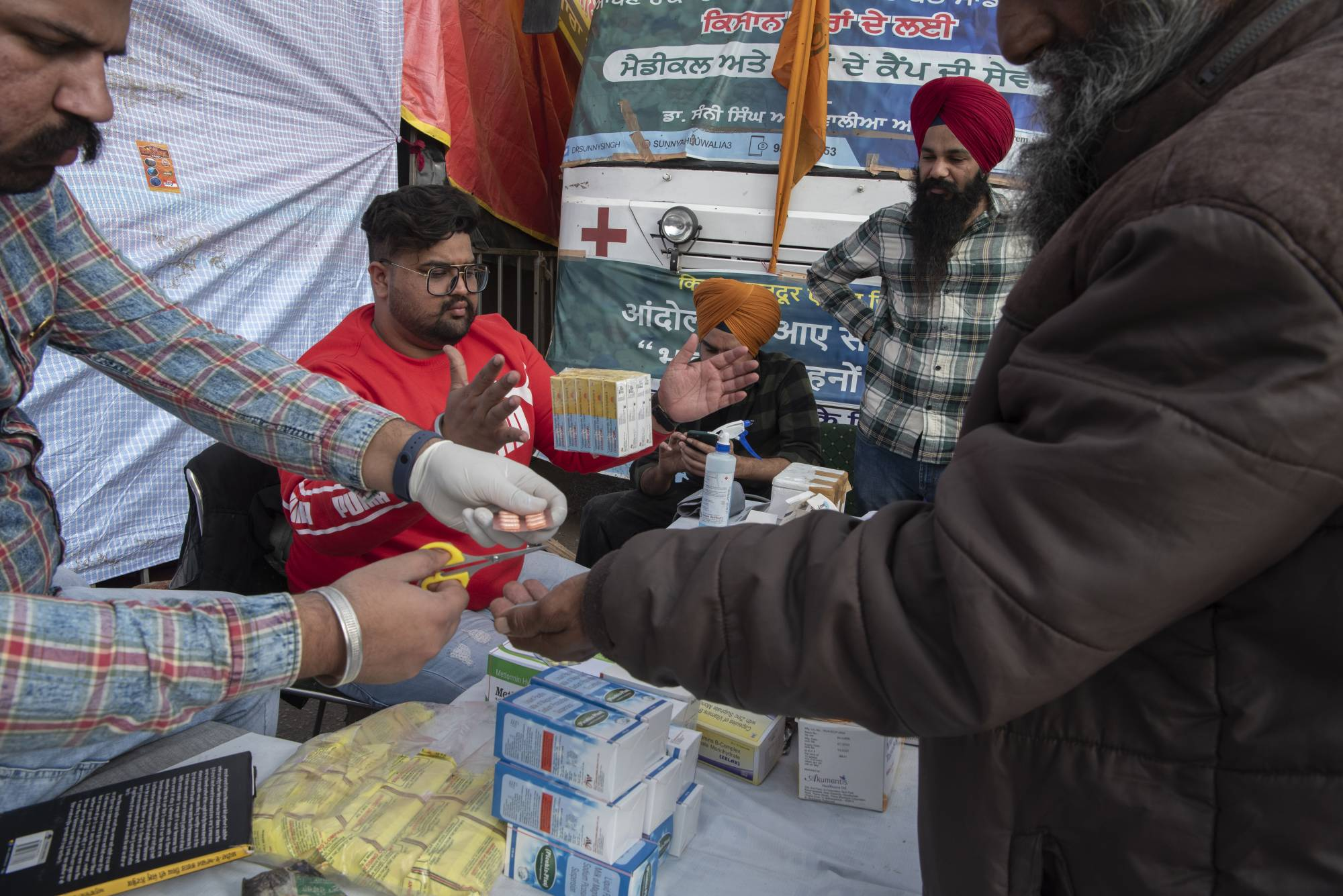 Free medicine is provided at a farmers protest in Singhu on Jan. 4. | SAUMYA KHANDELWAL / THE NEW YORK TIMES
