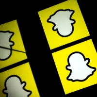 Social network Snapchat said on Wednesday it has permanently banned U.S. President Donald Trump from the platform, as voices are raised against keeping him off the internet stage following the storming of the Capitol on Jan. 6. | AFP-JIJI