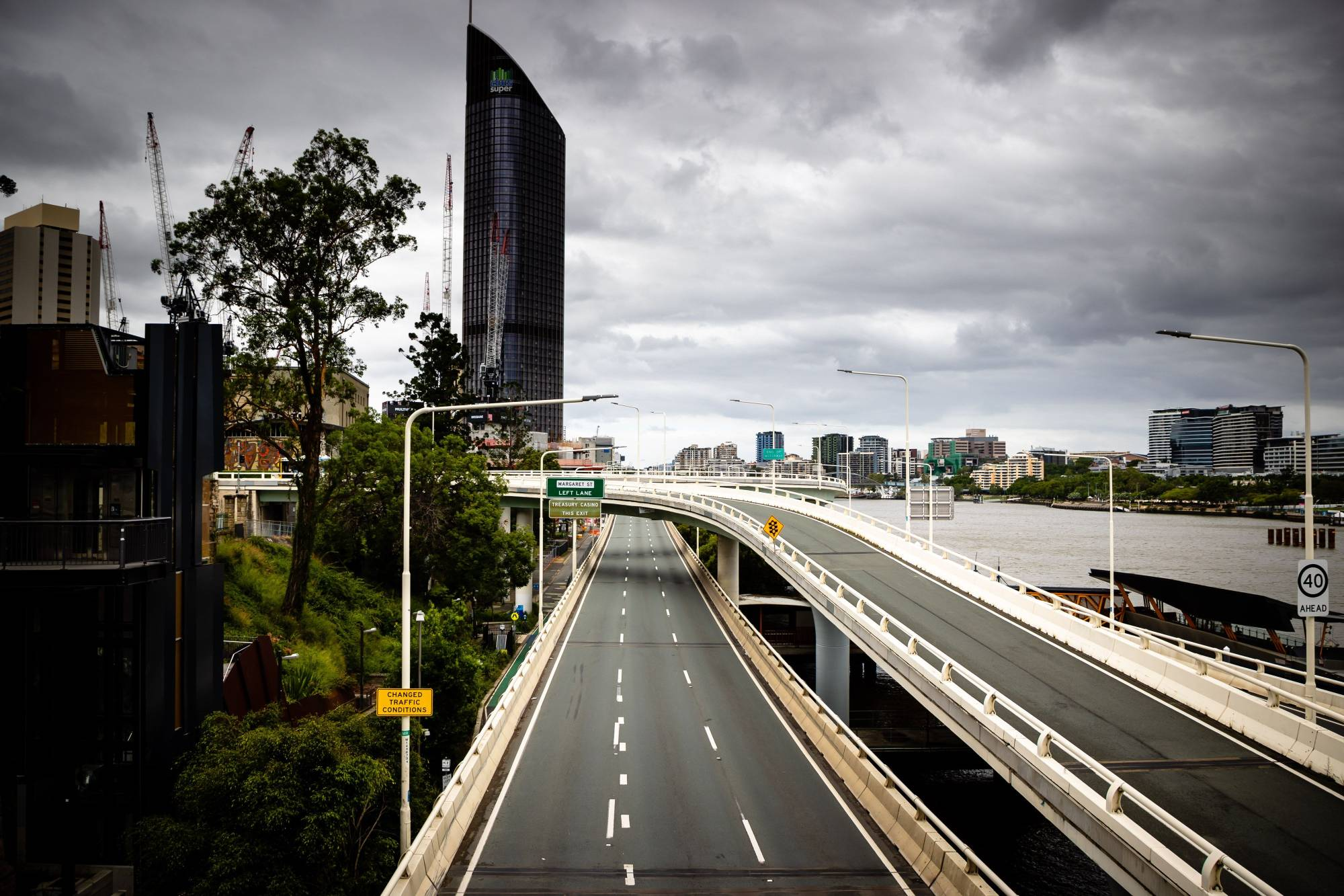 A deserted Riverside Expressway is seen on the first day of a snap lockdown in Brisbane on Saturday. | AFP-JIJI