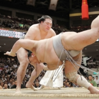 In an infamous incident during the 2018 May Basho, Hokutofuji was defeated by Ryuden after appearing to sustain a concussion during a false start just moments earlier. | KYODO