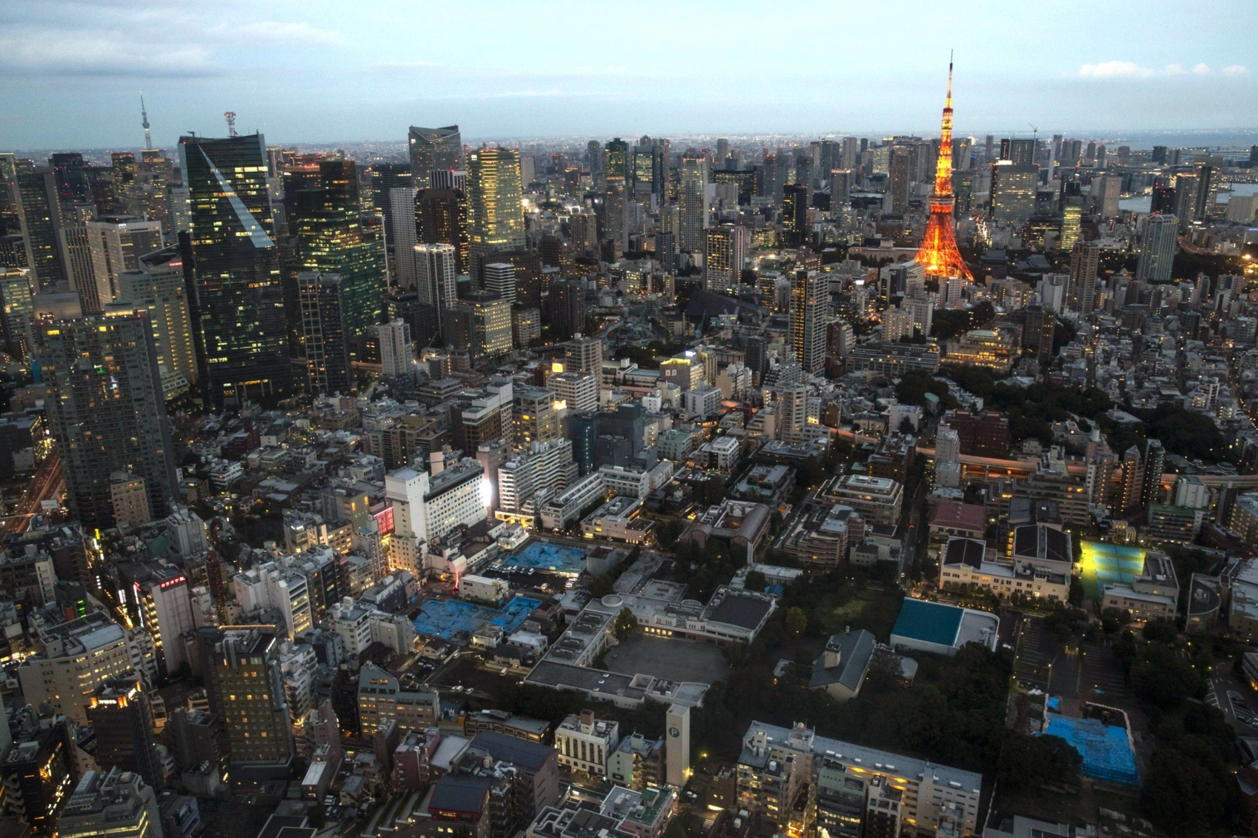 While people moving into Tokyo still outnumbered those leaving by 31,125, down 51,857 from the previous year, the surplus was the smallest since 2014. | BLOOMBERG