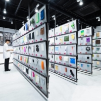More than 3,000 materials are stored in Material ConneXion Tokyo's library.   © MATERIAL CONNEXION TOKYO