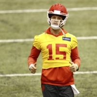 Kansas City Chiefs quarterback Patrick Mahomes practices Thursday in the lead-up to the Super Bowl.  | USA TODAY / VIA REUTERS