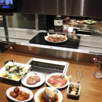 Watami Co., an operator of izakaya pub-styled restaurants, has turned a third of its dining establishments into yakiniku joints. | KYODO