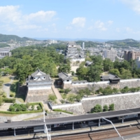 Fukuyama Castle, built in 1622, is conveniently close to a shinkansen station