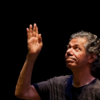 Jazz composer and electric keyboard pioneer Chick Corea, who died at the age of 79 on Feb. 9, greets the public during a concert at the Ajazzgo Festival 2014 in Cali, Colombia.   | AFP-JIJI