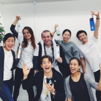 Robin Lewis and co-founder Mariko McTier (front) with the mymizu team | MYMIZU