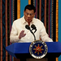 Duterte wants U.S. to pay to keep military pact with Philippines