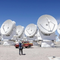 Japan is hoping that new cables that will carry digital data produced at Chile's ALMA telescope system will help determine how information can be accessed in the future. | KYODO