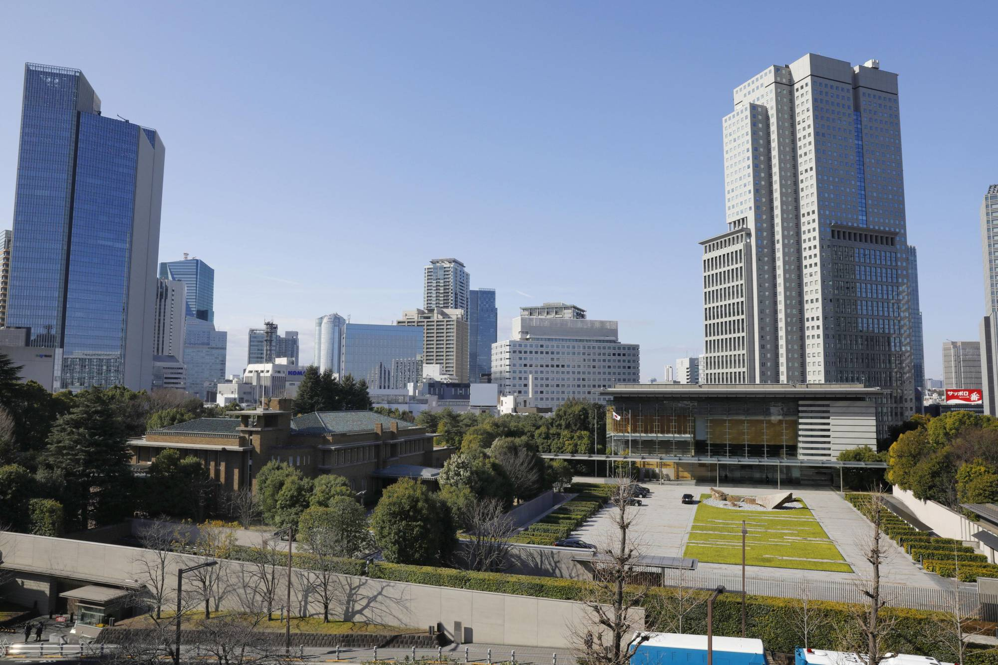 Prime Minister's Office (right) and official residence (left) in Tokyo | KYODO