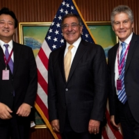 (From left) Senior Vice Minister of Defense Shu Watanabe, U.S. Defense Secretary Leon Panetta and Australian Defence Minister Stephen Smith met in Singapore in 2012 as part of growing  ties between the three nations. | POOL / VIA REUTERS